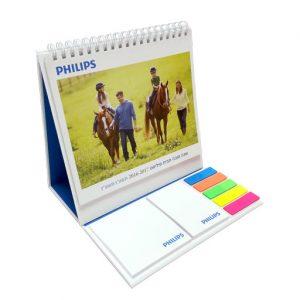 לוח שנה שולחני מעוצב, ממותג ומתקפל בשילוב שתי סוגי דביקים וסט דגלונים
